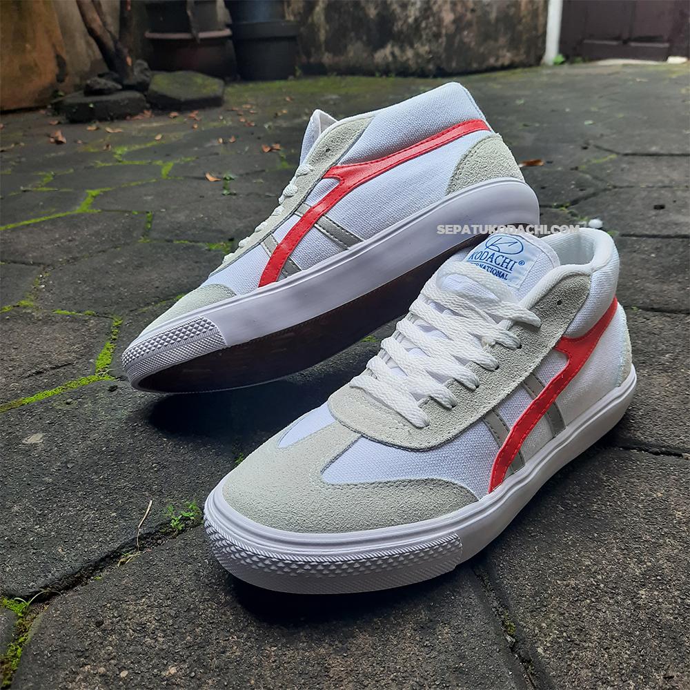 kodachi-galaxy-Merah-Silver-ykraya-sepatu-lokal-capung-3