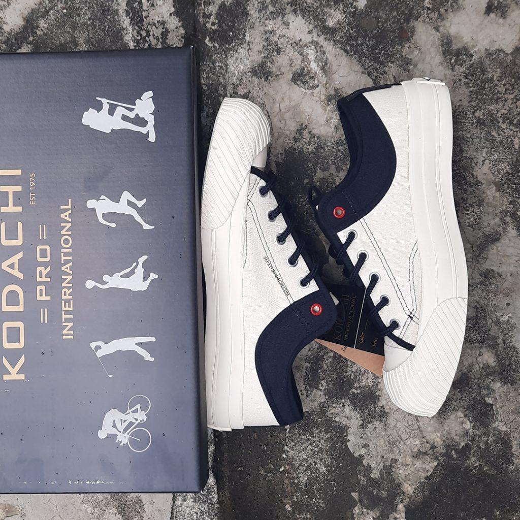 the-new-yorker-low-cream-hitam-ykraya-sepatu-capung-lokal-2