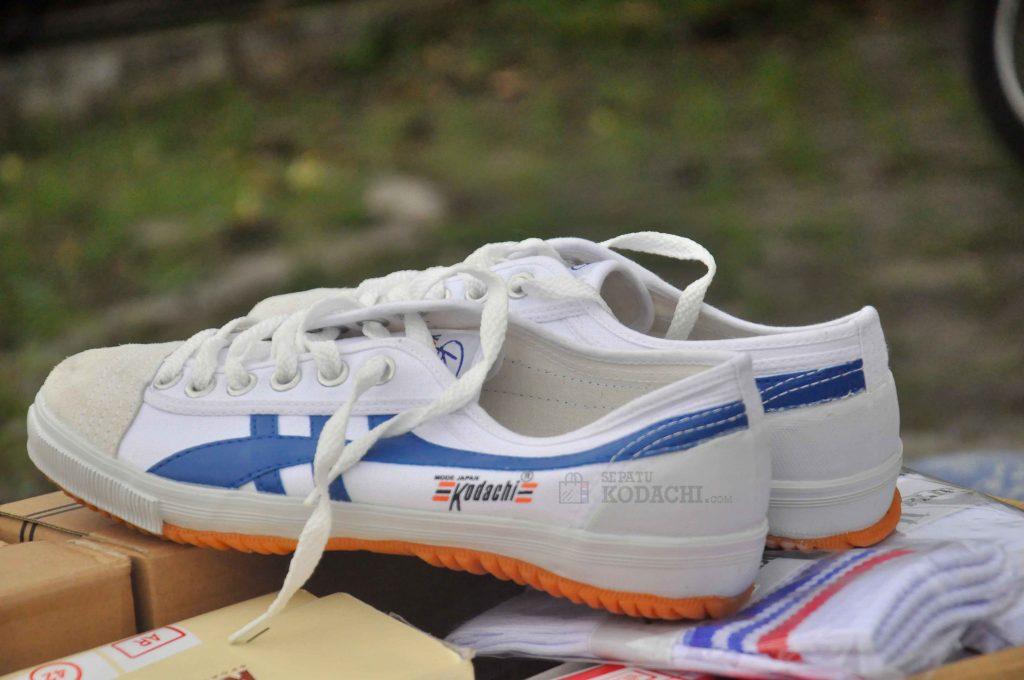 sepatu-kodachi-8110-blue-3