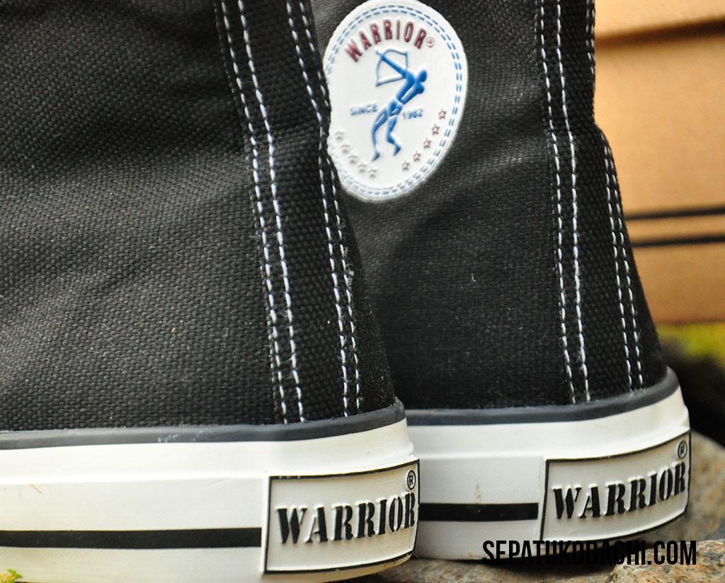 sepatu warrior sparta hitam putih hc