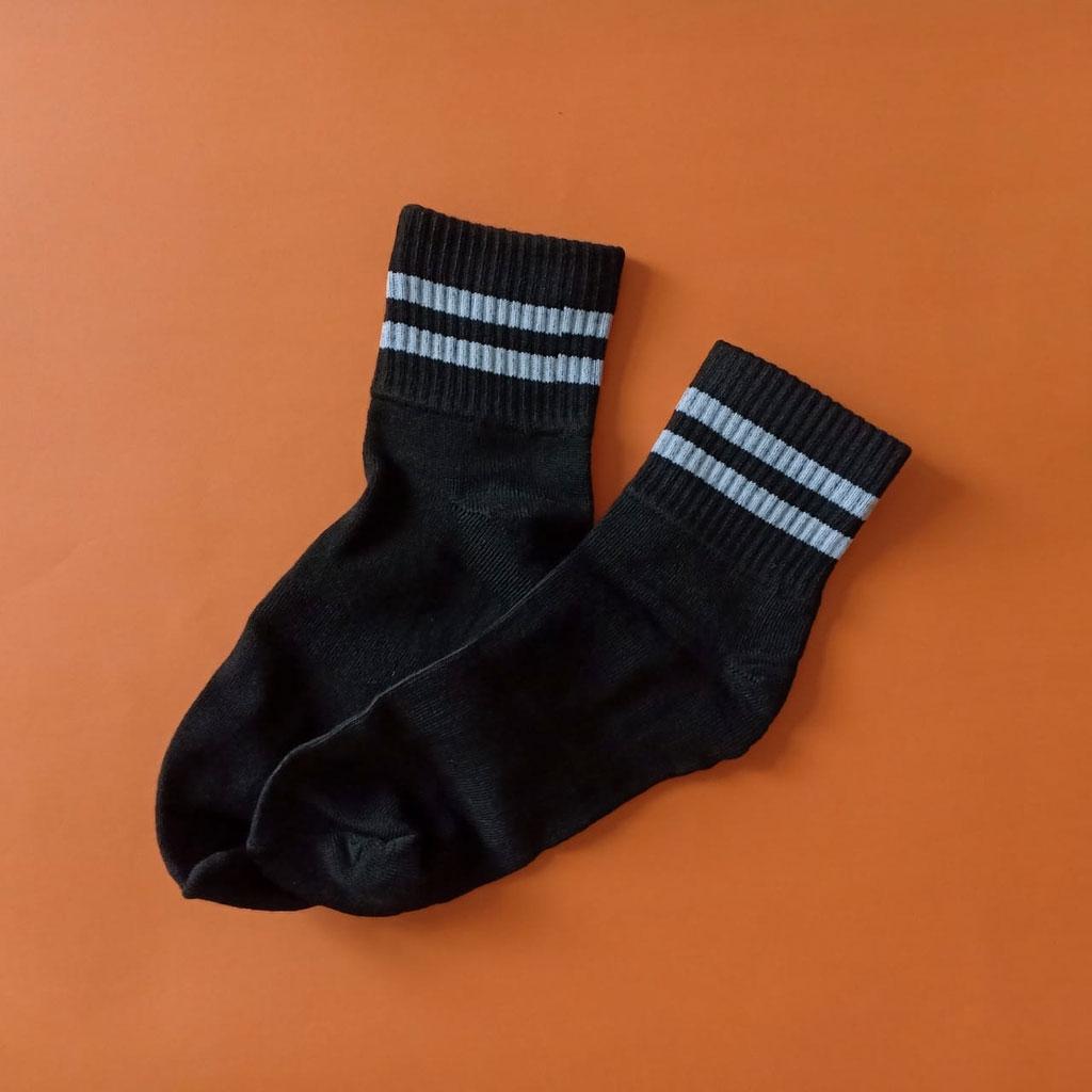 kaos-kaki-stripe-pendek-kodachihitam-strip-abu-1