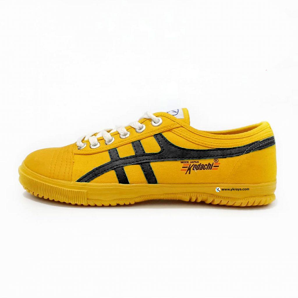 kodachi-8172-KH--kuning-hitam-ykraya-sepatucapung-badminton running volly 1024x1024