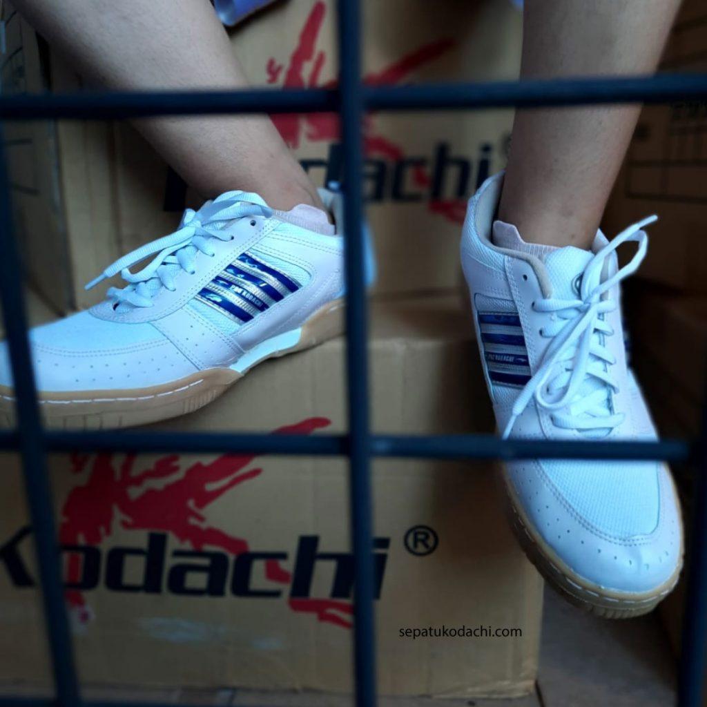 kodachi-AR-PLUS-putih biru 1