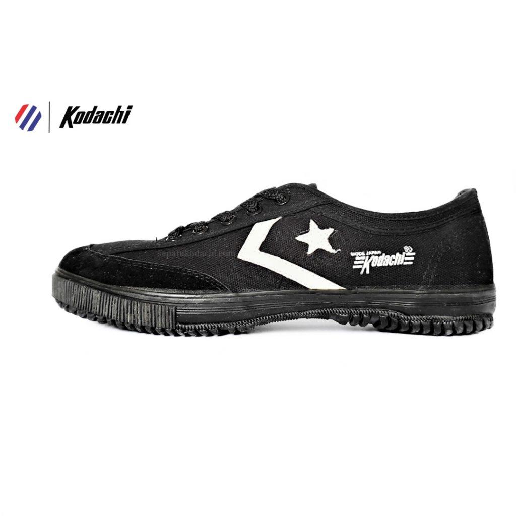 sepatu-badminton-kodachi-8119-hitam-hitam-all-black-r-sepatu-capung-yk-raya-running-volly-8
