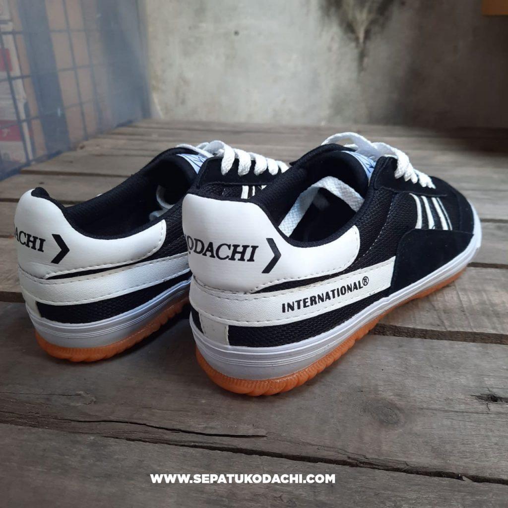 kodachi-8116-black-white-hitam-putih-2