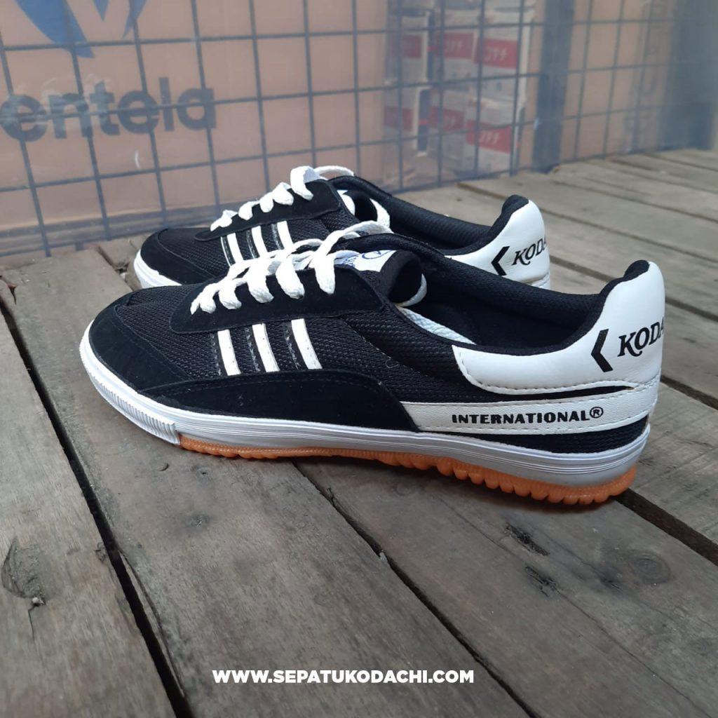 kodachi-8116-black-white-hitam-putih-5