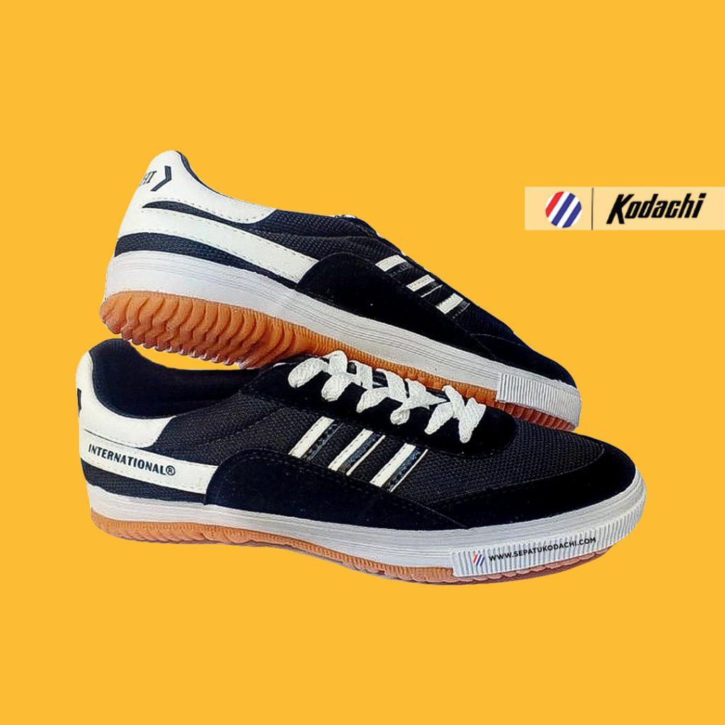 kodachi-8116-hitam-putih-yk-raya-sepatu-capung