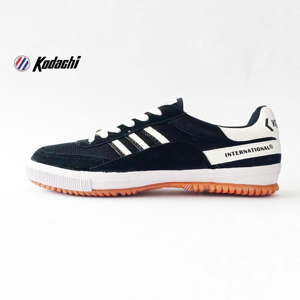 sepatu-kodachi-8116-HP-hitam-putih--ykraya-sepatu-capung-running-badminton-volley-2.jpg