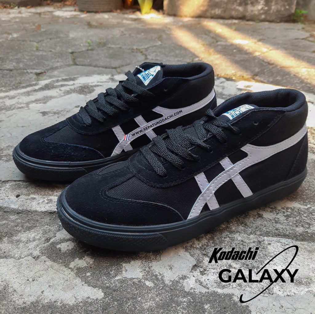 Kodachi-International-Galaxy-black-and-white-hitam-putih-6-a
