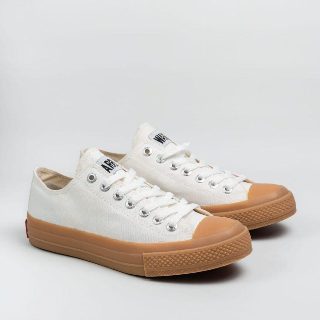 sepatu WARRIOR-NEO-SPARTA-low-lc-putih-white-GUM-1