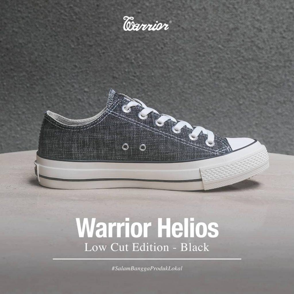 sepatu-warrior-helios-low-black-hitam-1