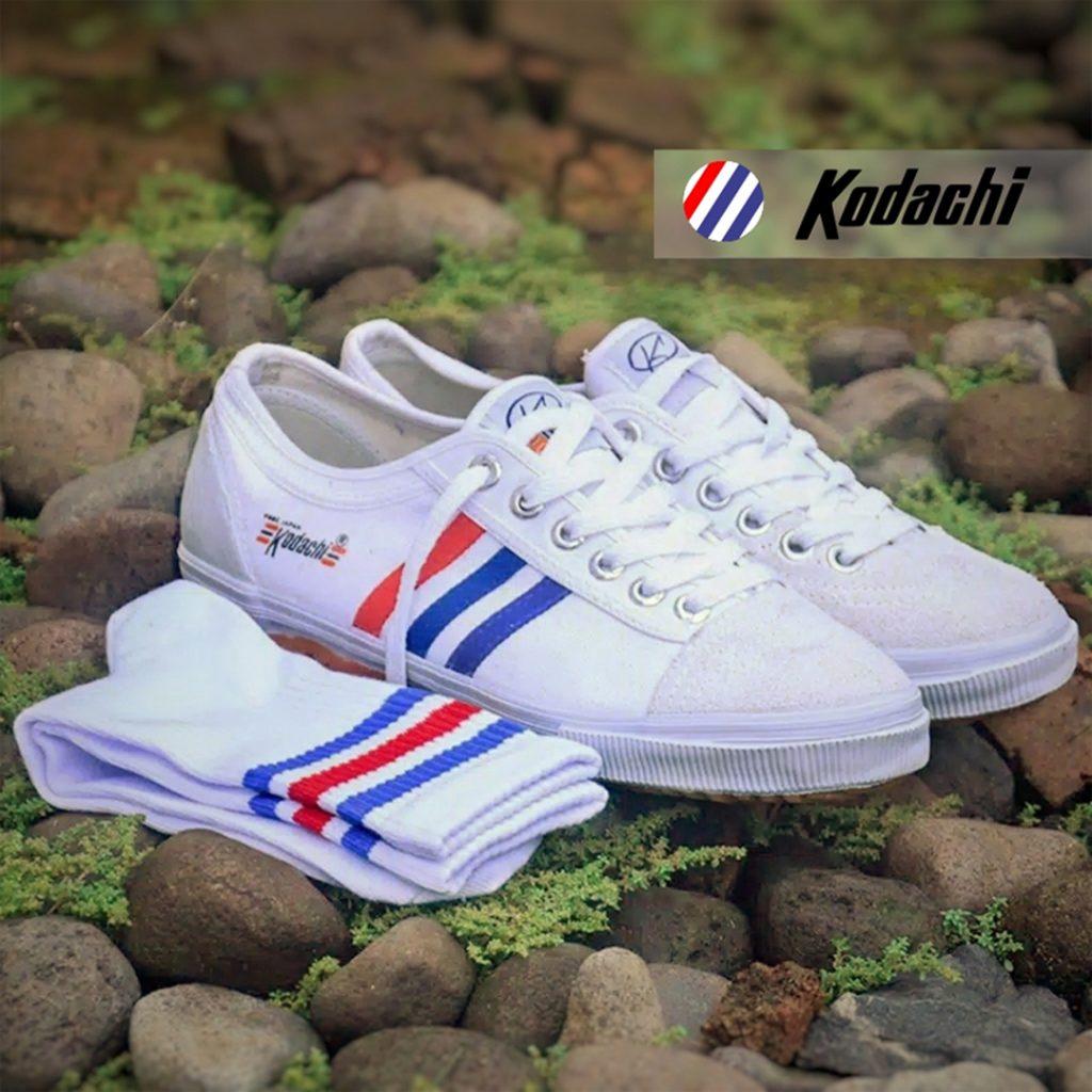 sepatu-kodachi-badminton-8111-ykraya-sepatu-capung-running-volly-2-paket-hemat