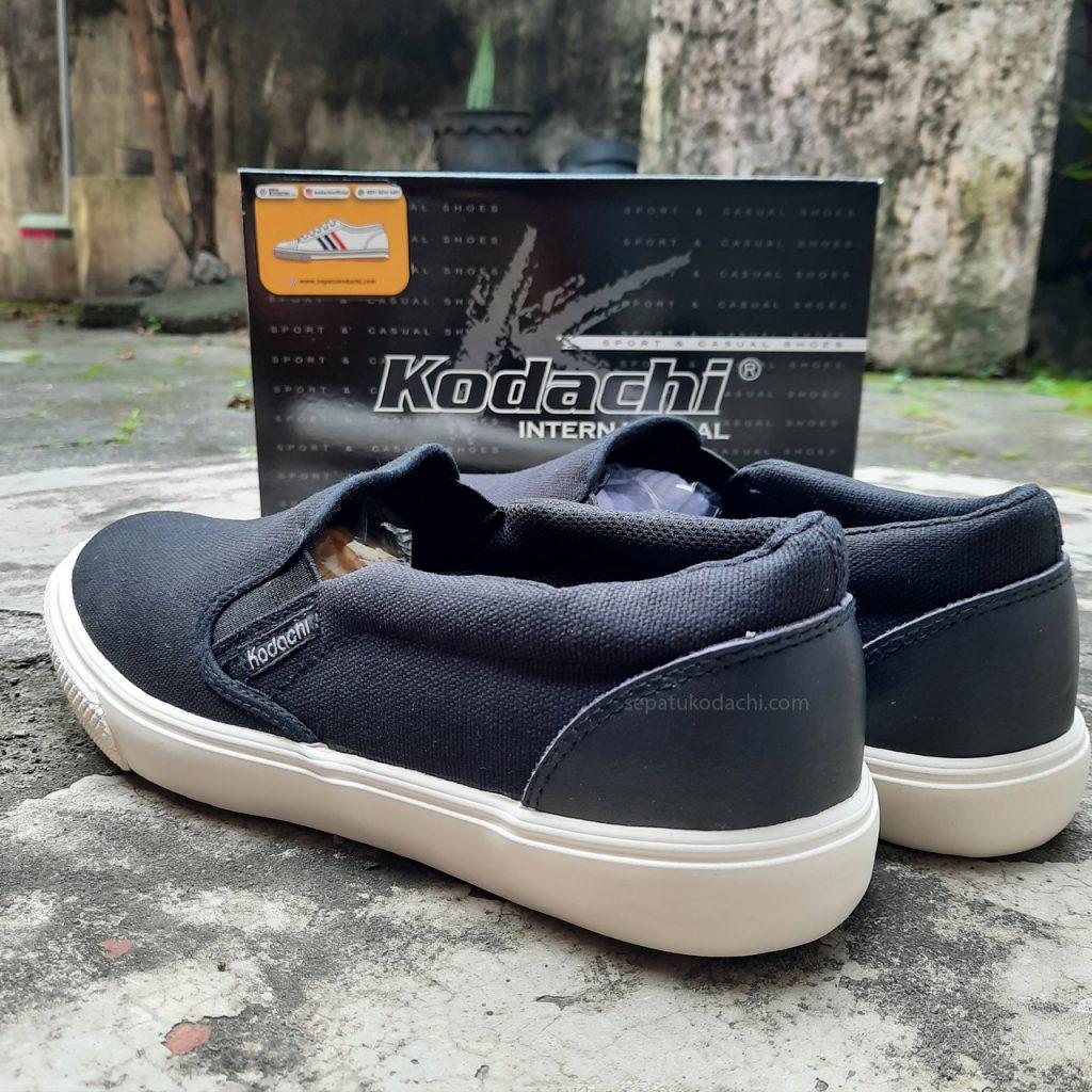 sepatu-capung--kodachi-slip-on-riviera-hitam-putih-ykraya-sepatu-capung--3