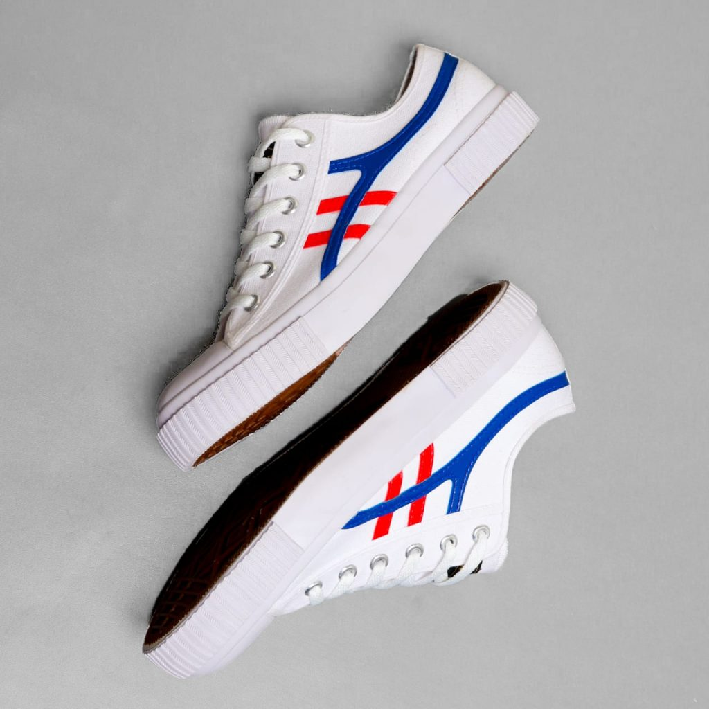 kodachi-max-international-putih-merah-biru-ykraya-sepatu-lokal-capung