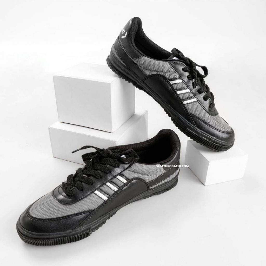 sepatu-kodachi-8116-Grey-Double-Black-ykraya-sepatu-badminton-lokal-capung-3