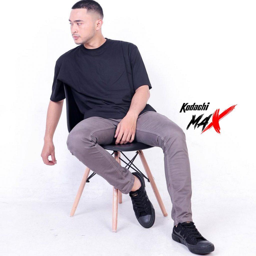 kodachi-max all black 2
