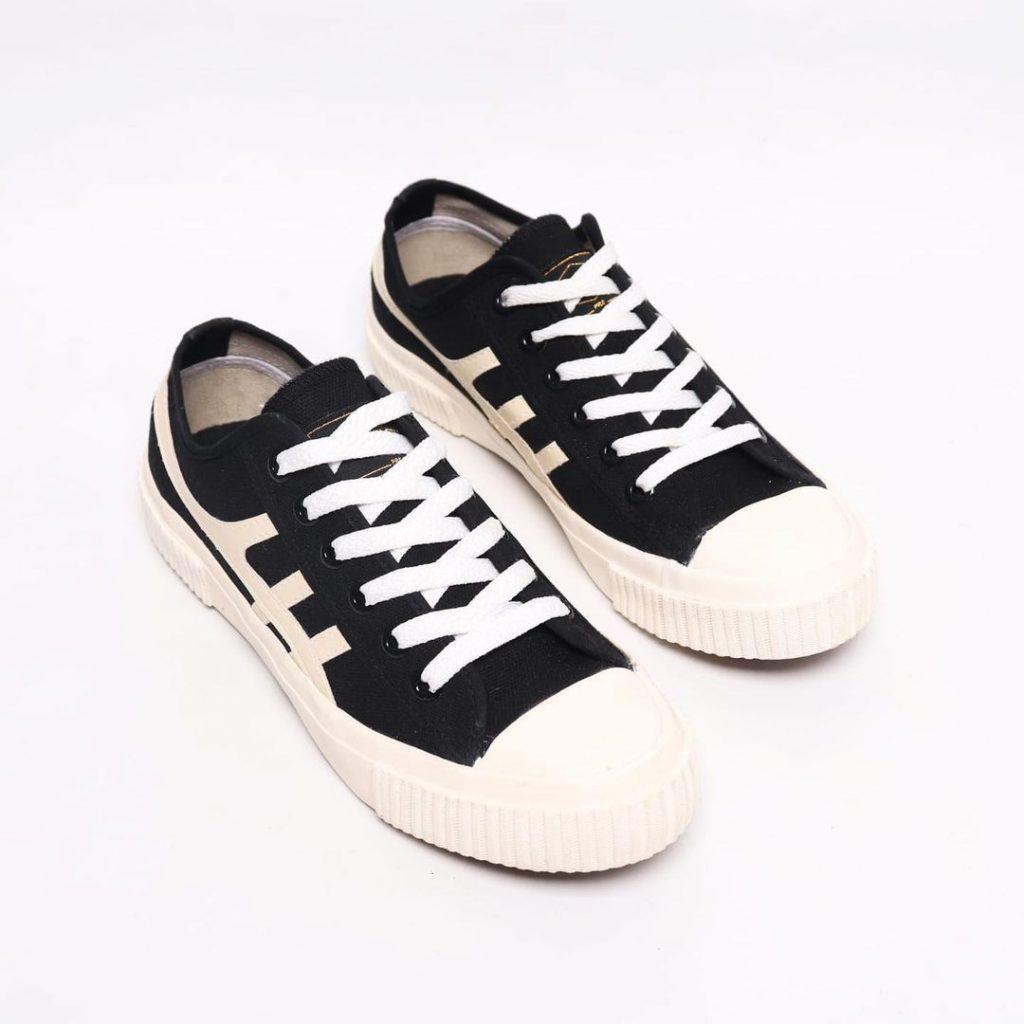 sepatu-kodachi-max-hitam-cream-1-a-b