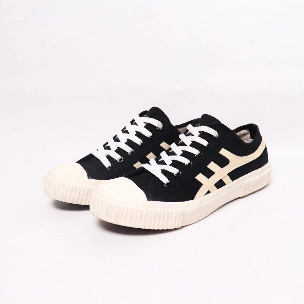 sepatu-kodachi-max-hitam-cream-1-a-b-c